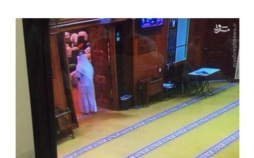 لحظه ورود عامل انتحاری به مسجد شیعیان