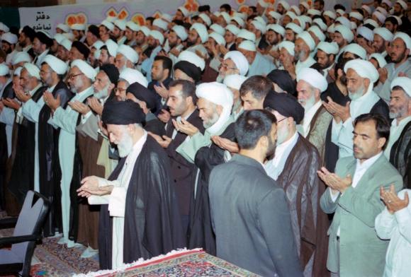 بازخوانی دیدار مقام معظم رهبری با مردم همدان