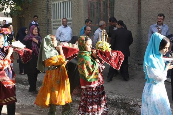 جشنواره شیره پزی روستای مانیزان به روایت تصویر