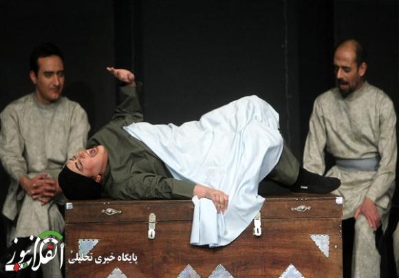 """نمایش ضد فرهنگی """"صحنه زایمان"""" در یک تئاتر! +تصاویر"""