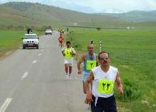دونده همدانی قهرمان مسابقات دوی میدانی جزیره کیش شد