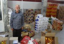 مغازهدار 72 ساله نهاوندی از خاطرات جمعآوری کمک برای رزمندگان میگوید