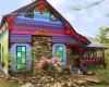 خانه ای رنگین کمانی درمیان جنگل