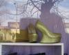 رواج کفش های شیطان پرستی در شهر بهار